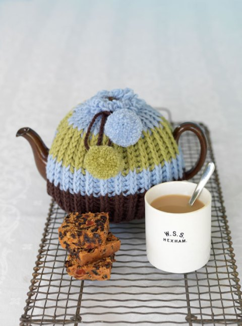 Tea cosy, RE, knitted, artisan, homespun, interiors, kitchen ware, tea pot, tea, ideal home, homeshoppingspy, alice humphrys